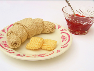 knit croissant